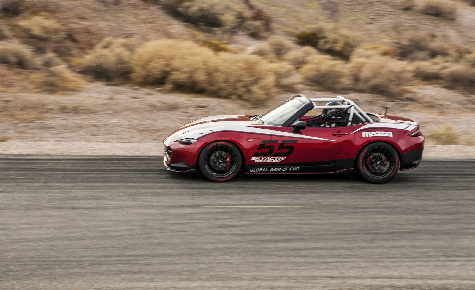 2016 mazda mx 5 wears its track suit for new global race series. Black Bedroom Furniture Sets. Home Design Ideas