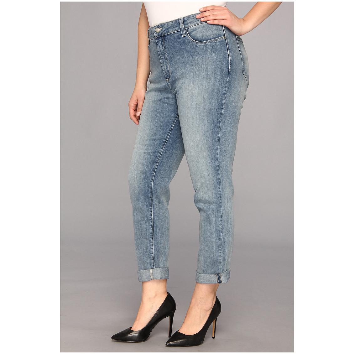 4b282392c2a ... I hope you break in style without flaming a stab in your pocket. Buy  plus size jeans online at discount with denim and cotton to Lycia and  corduroy.