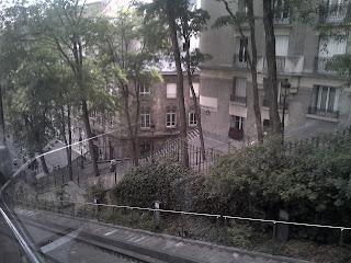 Monmartre  Impressionnante et belle vue depuis le funiculaire.