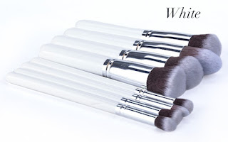 http://www.dresslink.com/new-8-pcs-professional-makeup-set-pro-kits-brushes-makeup-cosmetics-brush-tool-p-15989.html?utm_source=blog&utm_medium=cpc&utm_campaign=Zofia542