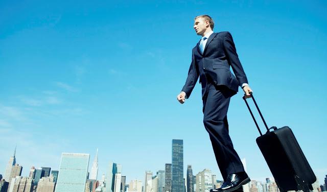 Kiat Aman dan Nyaman Melakukan Perjalanan Bisnis Sendirian