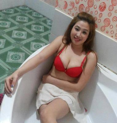 Máy bay bà già Quảng Ngãi