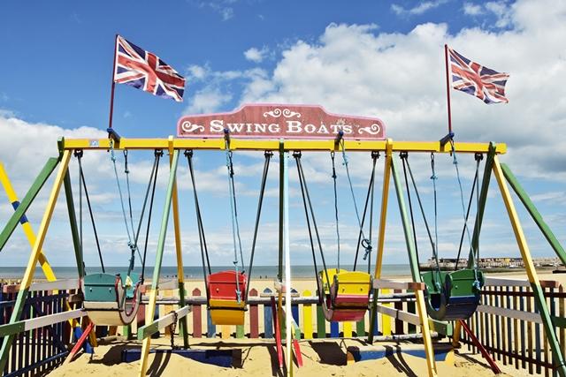 Travel - Südengland & Cornwall Roadtrip - 14 Dinge, die man dabei haben sollte - Seafront Margate | luziapimpinella.com