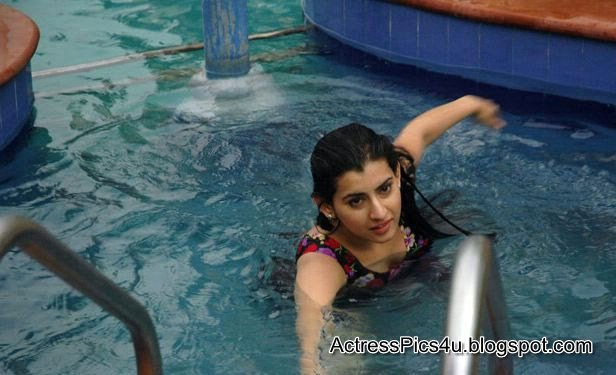 Archana Veda Hot and Wet In Swimming Pool   Hot Film ...