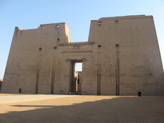 umroh plus napak tilas Temple of Horus