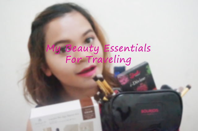 Beauty-Essentials-for-traveling