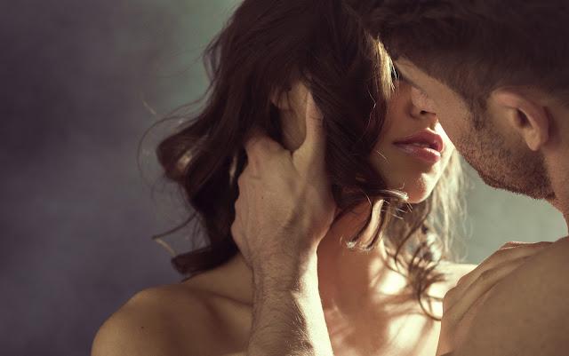 Ciência diz que beijar na boca é essencial à saúde (Imagem: Reprodução/Obaoba)