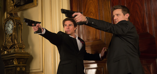 Jeremy Renner și Tom Cruise în Mission: Impossible Rogue Nation