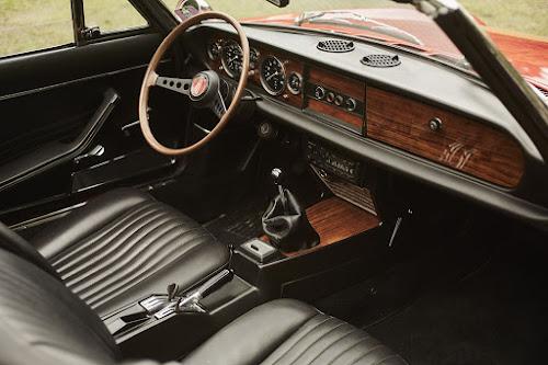Classic Fiat 124 Spider Dashboard