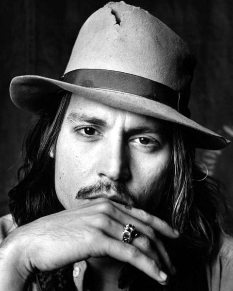 Johnny Depp: Johnny Depp Pictures: Johnny Depp Black And White Pics