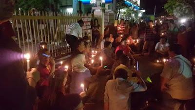 DAP Bakar Lilin Depan Pejabat SPRM P.Pinang