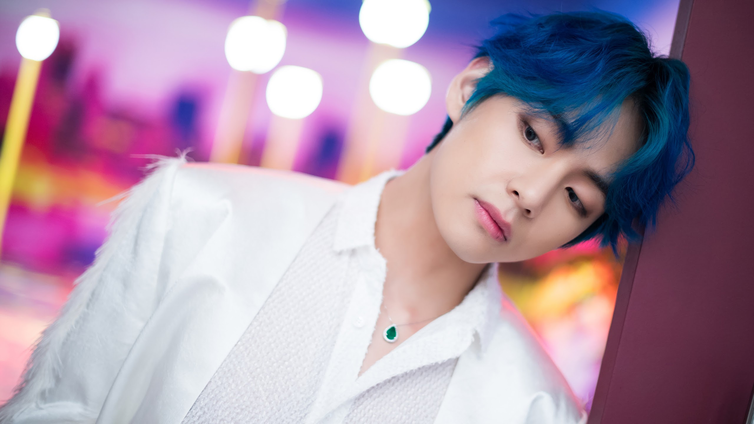 v bts boy with luv uhdpaper.com 4K 95