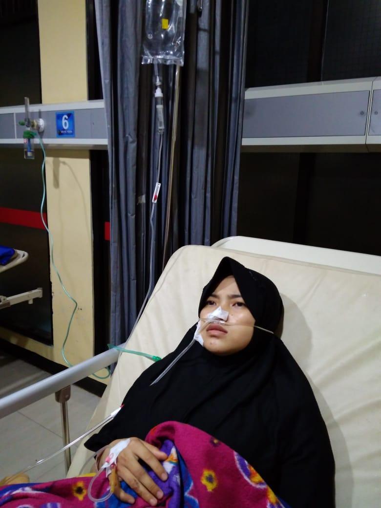 Peluang Amal untuk Santri Tahfizh yang Sakit Kelainan Usus