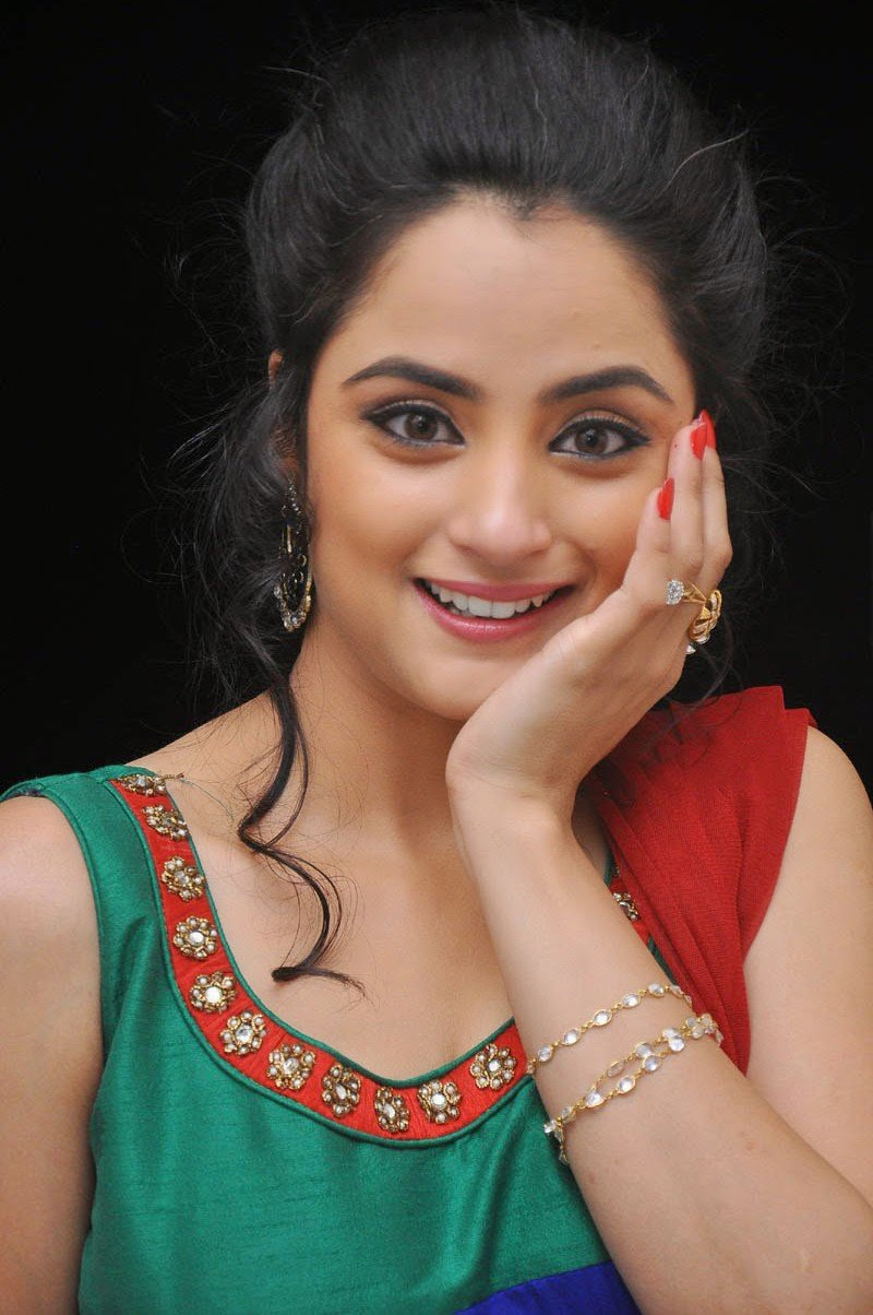 Madirakshi Mundle Hot Smiling Photos