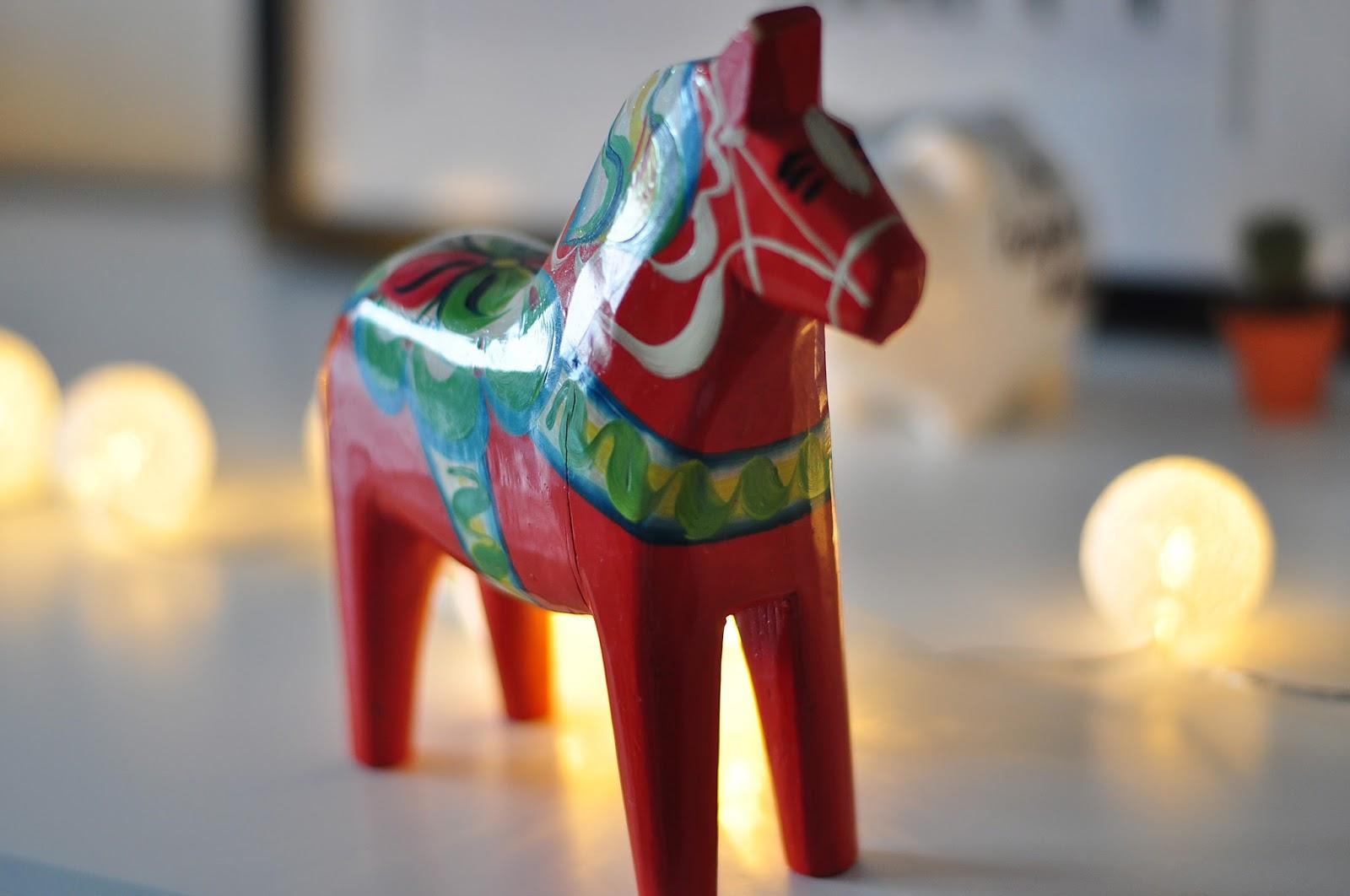 Dala Horse, Dalahäst, Swedish horse, Falu Red, Scandinavian Style