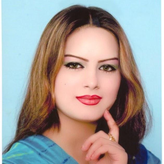 Ghazala Javed Pashto Top Singer Pictures