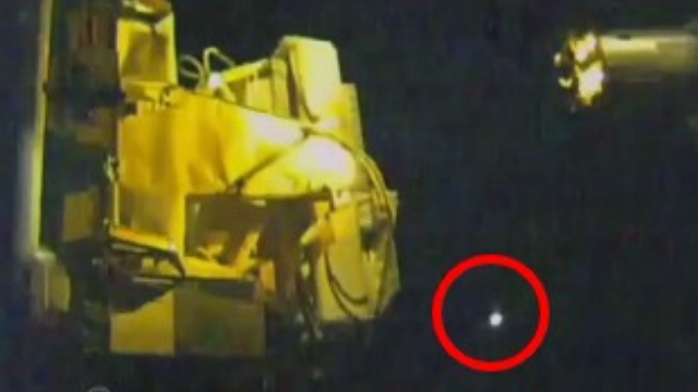 UFO-flying-around-the-ISS-is-a-sphere-or-an-orb