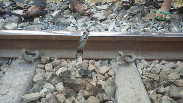 Indian Railways, Indian Railways IRCTC PNR App, Indian Railways train status, pnr status, rail info app, rly enquiry,