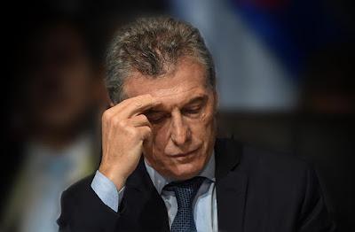 Subió el riesgo país, al mayor nivel desde que llegó Cambiemos al poder: Argentina muy complicada para conseguir financiamiento externo. Además, se desplomó el Merval y aumentó el dólar
