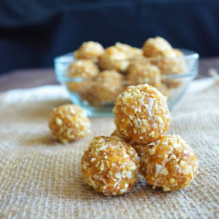 http://www.cleaneatsformysweets.com/apricot-cashew-bites/