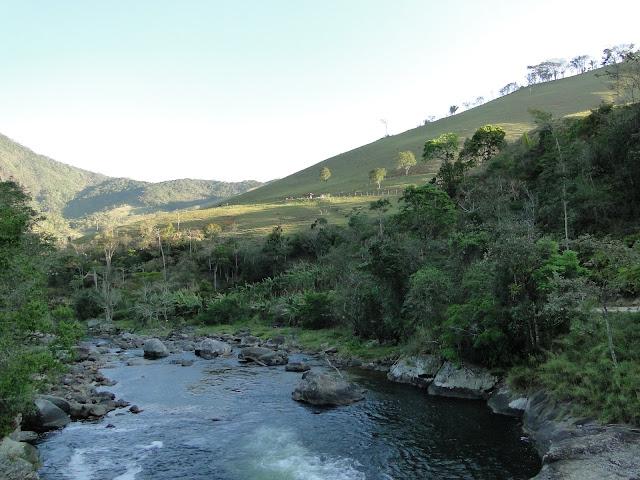 Estrada que leva para o Encontro dos Rios, Lumiar