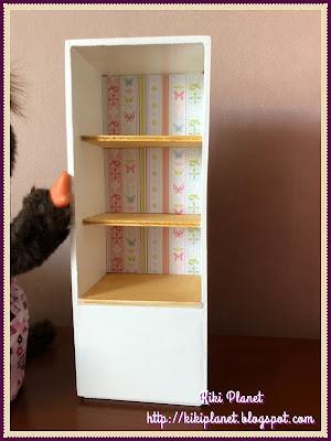 kiki monchhichi bibliothèque  bois miniature dolls handmade fait main récupération