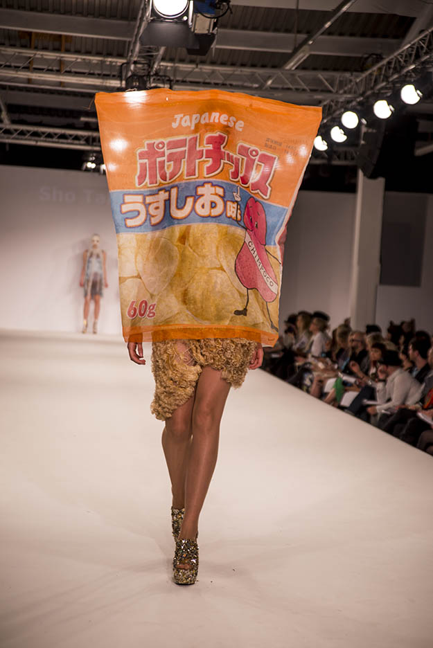 Graduate Fashion Week - Sho Takemura - Crispy chips fashion trend