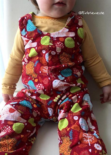 Latzhose aus jersey nähen für Kleinkind