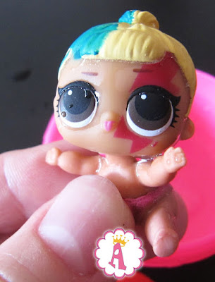 Как изменят цвет кукла LOL Surprise Lil Sisters Беби Свинг