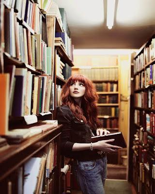 poses en la biblioteca tumblr para fotos