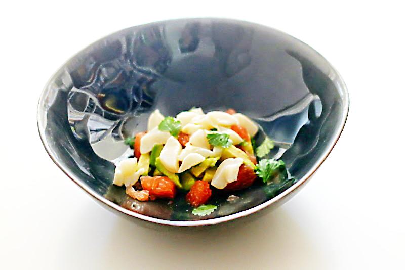 Jakobsmuschel-Ceviche mit Pink Grapefruit auf Avocado | Arthurs Tochter Kocht von Astrid Paul