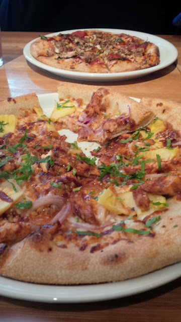 free is my life california pizza kitchen honors veterans and active rh freeismylife com
