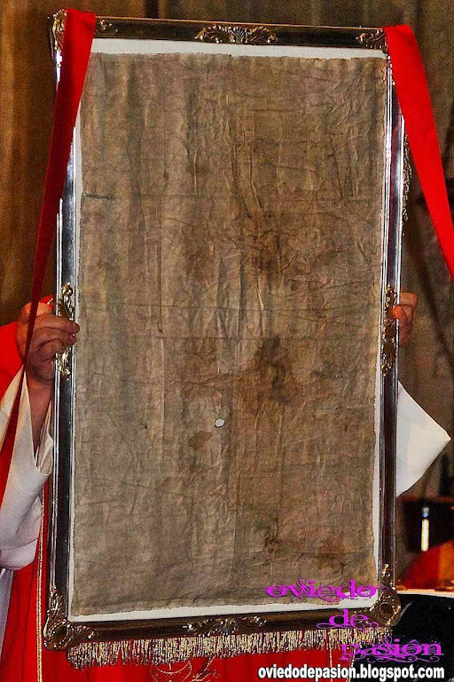 O Sudário de Oviedo envolveu apenas a cabeça do Messias no momento de sua sepultura.