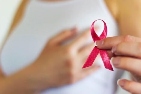 الجهوية 24 - مريضة بالسرطان تحلم بحقن بعد استئصال ثديها
