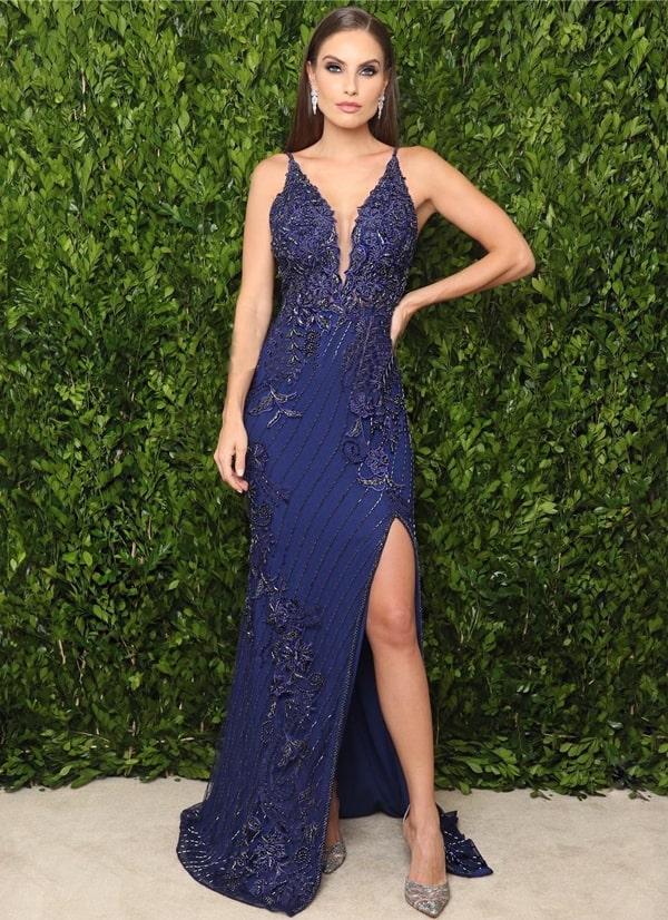 vestido de festa longo azul com fenda