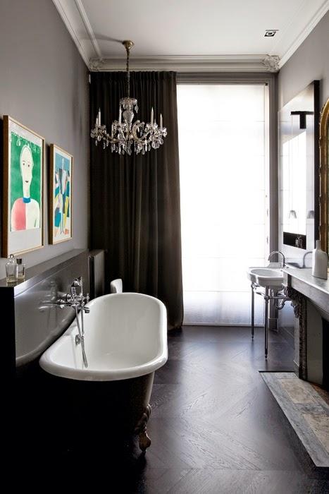 dark freestanding bathtub