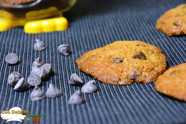 crispy yet soft chocolate chip cookie