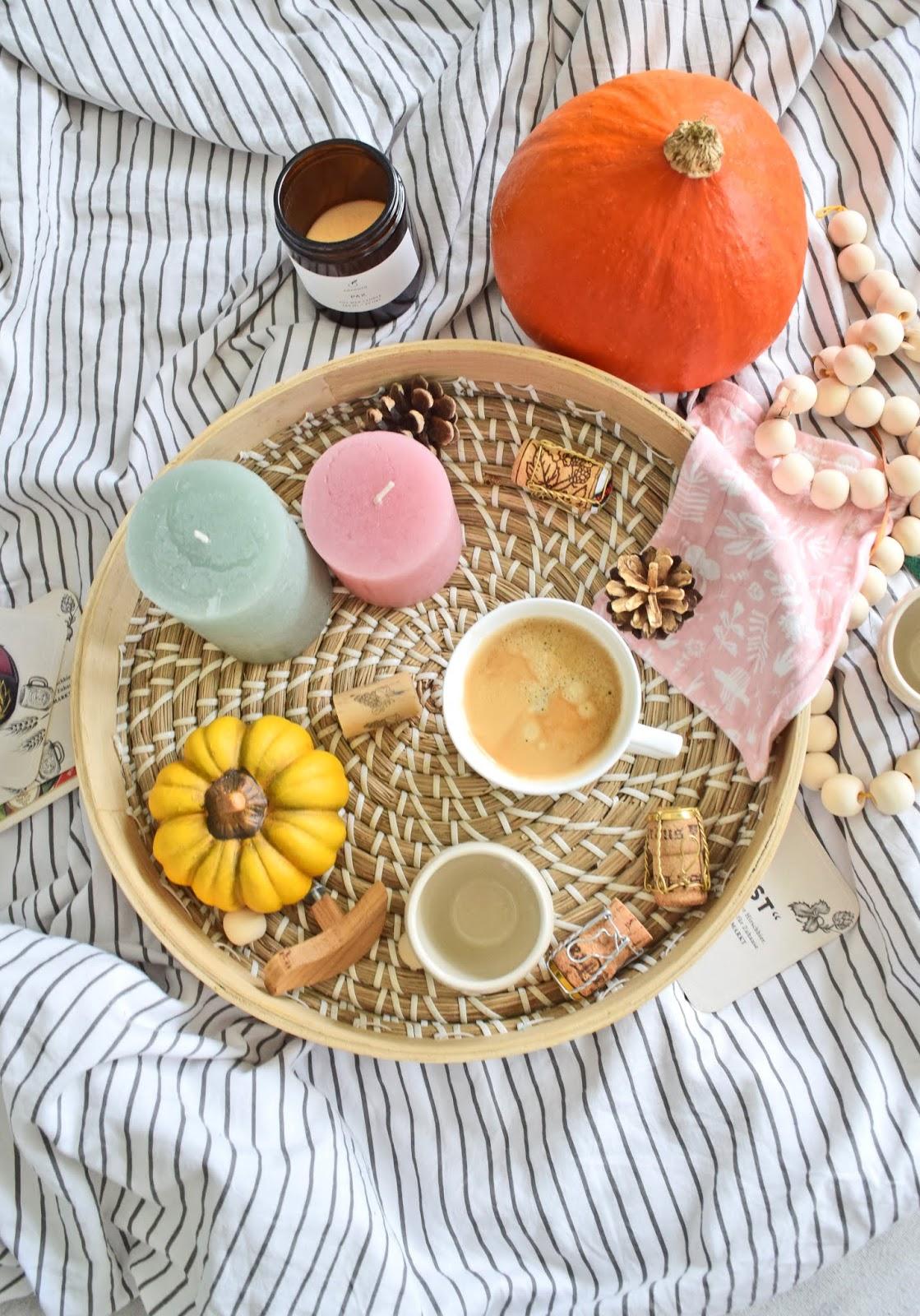 Jak udekorować mieszkanie jesiennymi dodatkami?