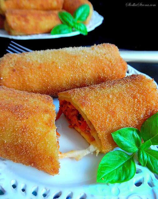 Krokiety z Mięsem Mielonym w Sosie Pomidorowym i Serem - Przepis - Słodka Strona