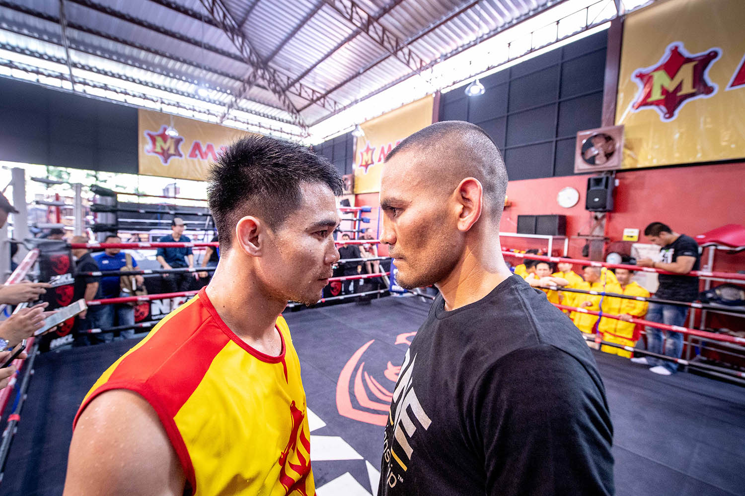 SRISAKET SOR RUNGVISAI FACES OFF WITH IRAN DIAZ AT ONE: KINGDOM OF HEROES OPEN WORKOUT