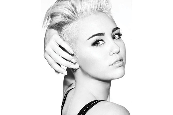 Miley Cyrus provocativa