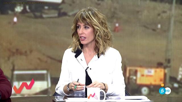 Emma García, culete con pantalones azules
