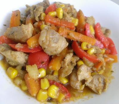 Gulasz z warzyw z indykiem