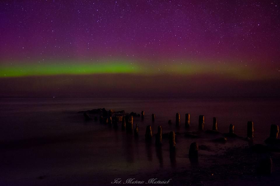 Zorza polarna sfotografowana w noc z 7 na 8 kwietnia 2016 r. Dziwnówek, zachodnio-pomorskie. Autor: Mateusz Matusiak