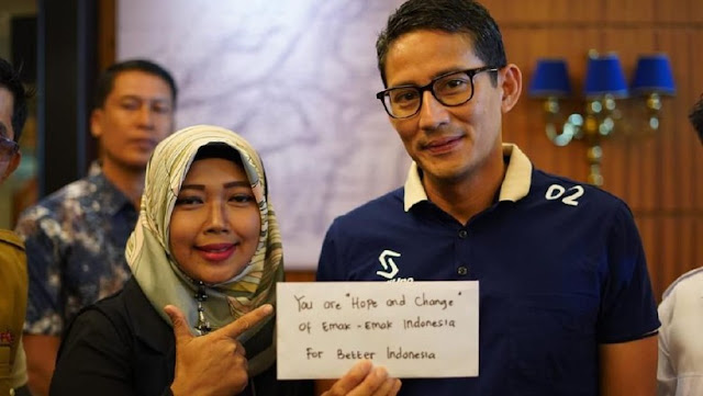 Di Samarinda, Sandiaga Dapat Amplop Sumbangan dari Emak-Emak