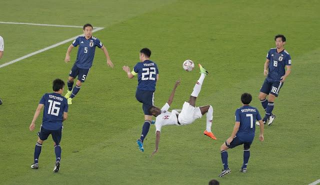 Almoez Ali ghi bàn tuyệt đẹp
