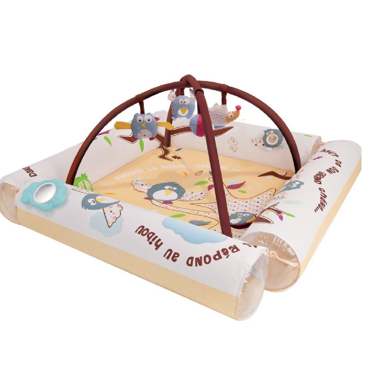 L'aire d'éveil pour des bébés en sécurité