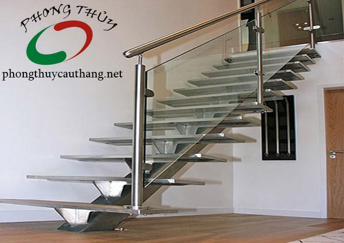 Thiết kế cầu thang inox phong thủy