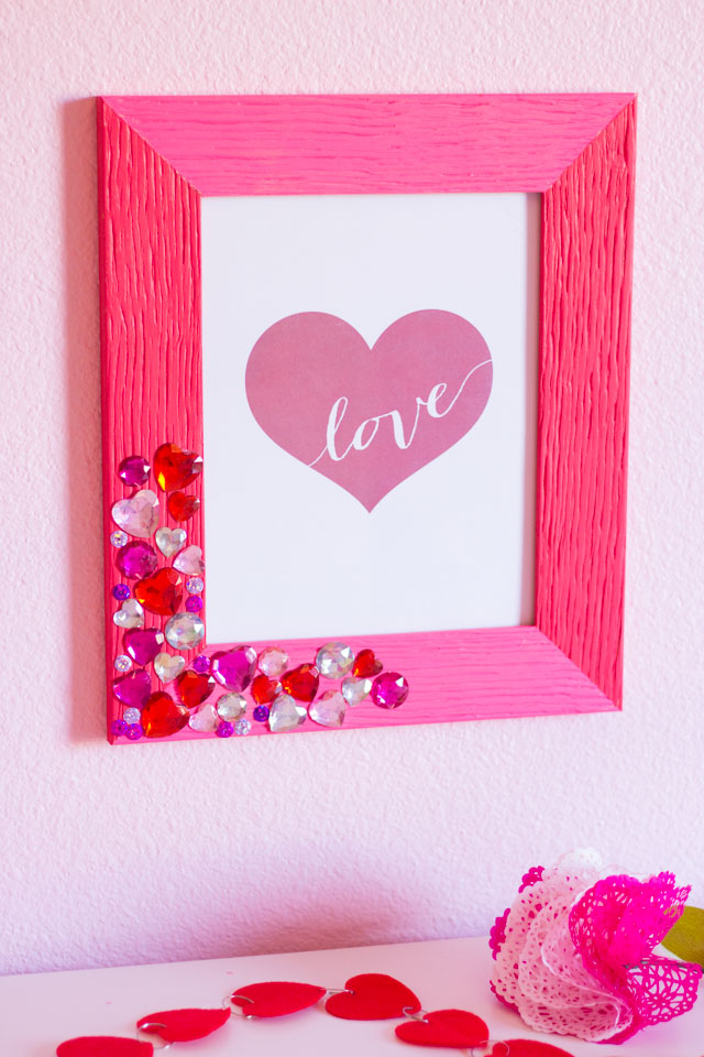 DIY Valentine Jewel Picture Frame | Design Improvised