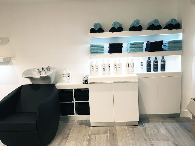 hair wash area, salon interiors, blue colour scheme, hairdresser